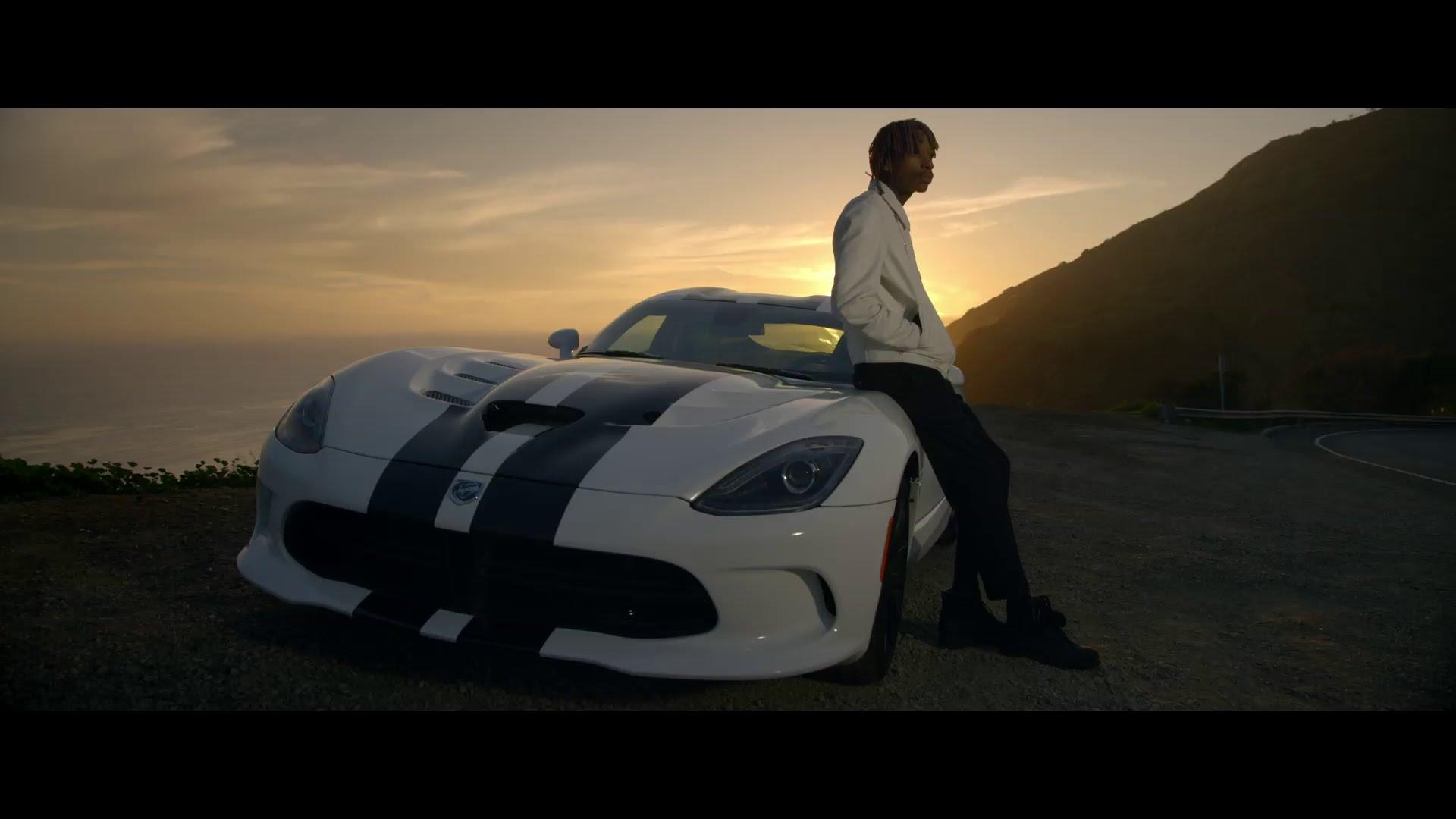 Música tema do filme Velozes e Furiosos 7, do cantos Wiz Kalifa, foi o clipe musical mais visto no mundo