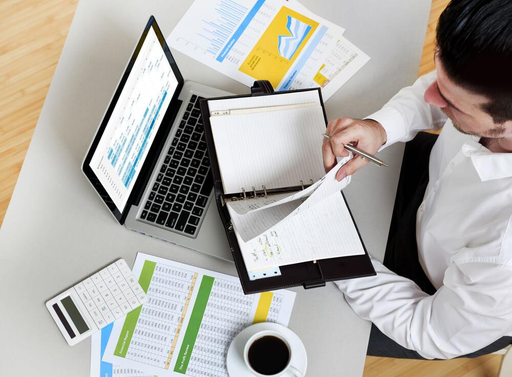 O uso do Excel VBA permite automatizar tarefas no software