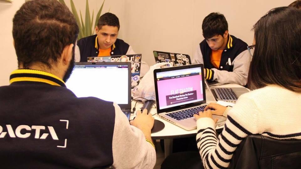 Alunos finalistas mundiais do Hackathon da NASA