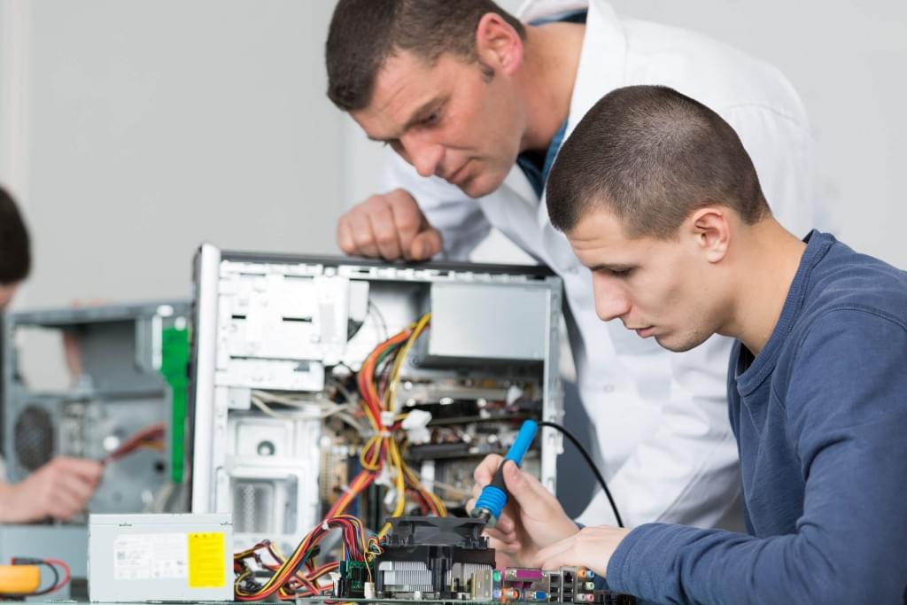 Conheça os motivos para fazer um curso de hardware