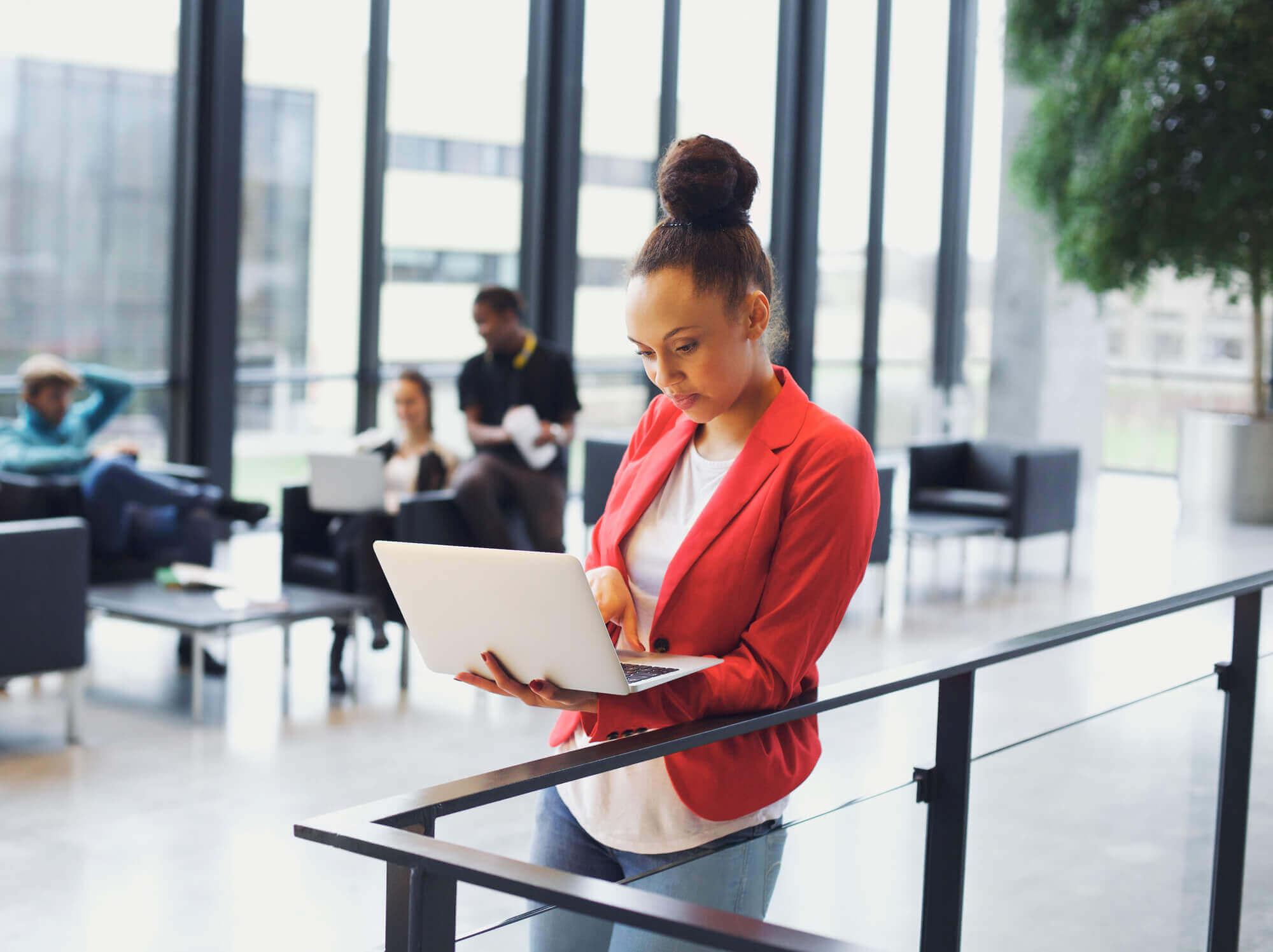 Capa do artigo Confira 5 vantagens de cursar uma pós-graduação