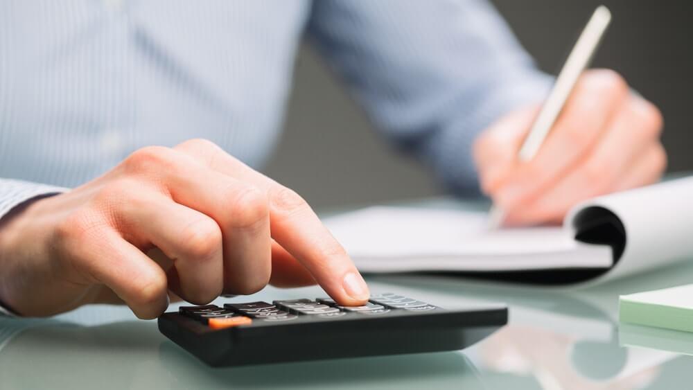 Capa do artigo Financiamento e bolsas estudantis: entenda as principais questões!